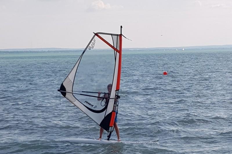 kezdő windsurf kölcsönzés